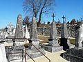 La Tour-Blanche cimetière tombes (1).JPG