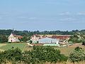 Lalande-FR-89-le village vers l'église et la mairie.jpg