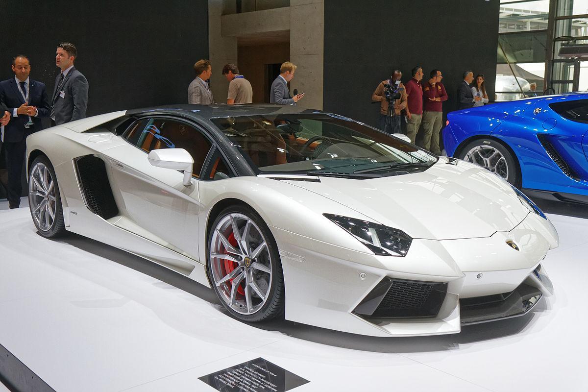 Lamborghini Aventador Википедия