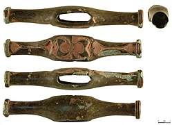 Late Iron Age copper alloy toggle (FindID 434370-321091).jpg