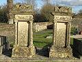 Le Breuil-en-Bessin - tombes du cimetière.JPG