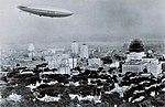 Le dirigeable R-100 survolant Montreal.jpg
