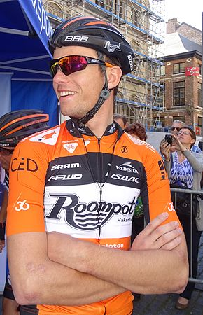 Leuven - Brabantse Pijl, 15 april 2015, vertrek (B066).JPG