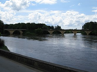 Périgord noir - Confluence of the Dordogne (right) and the Vézère (left) near Limeuil