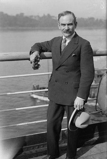 Lionel Tertis
