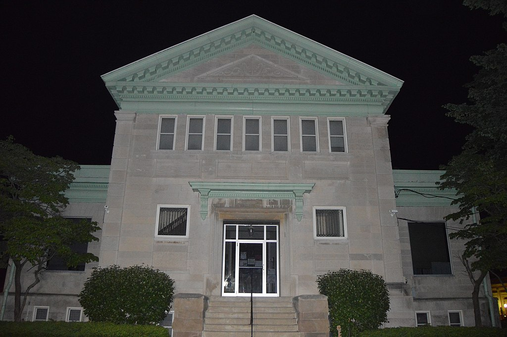 Litchfield Public Library from west.jpg