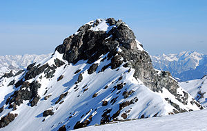 Tux Alps - The highest mountain in the Tux Alps, the Lizumer Reckner, is made of serpentinite.