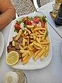 Lombo de porco com batata frita e salada, Olhao, 6 November 2015.JPG