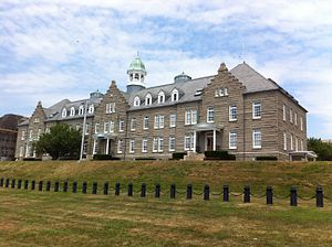 Luce Hall - Image: Luce Hall (Naval War College) 001