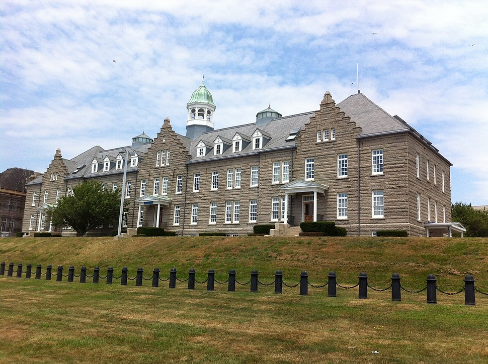 Luce Hall (Naval War College) 001
