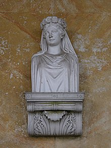 A bust of Queen Louise in the Queen Louise Memorial Temple on the Pfaueninsel in Wannsee, Berlin (Source: Wikimedia)