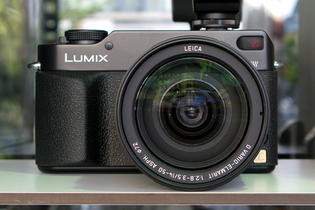 Panasonic Lumix DMC-L1 - Wikipedia