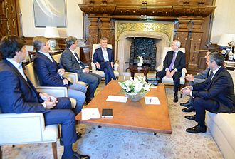 Jamie Dimon - Interview of Dimon with president of Argentina Mauricio Macri, to announce higher investments of JP Morgan Chase in the country.