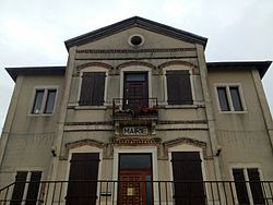 Mairie de de Bressolles (Ain) - 2.JPG
