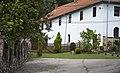 Manastir Sv. Đorđe Temska dvorište.jpg