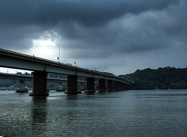 Mandovi river Goa.jpg