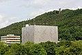 Marburg Alte UB Silberwürfel Spiegelslustturm vom Erlenring.jpg