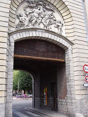 Marchiennes - Image: Marchiennes hôtel de ville et Musée d'histoire locale