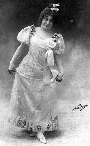 Les P'tites Michu - Mariette Sully in Les p'tites Michu in Paris in 1899