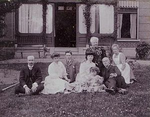 Agneta Matthes - The couple van Marken 1904, with extended family including the illegitimate children of Jacques van Marken. From left to right: Jacob Cornelis Eringaard (son), Clara Eringaard (daughter) with her husband, EJW Johanknegt (wife of Cornelis), Erry Anna Eringaard (daughter), Agneta van Marken-Matthes, Jacques van Marken, and an unknown nanny