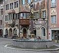 """Marktbrunnen, """"Zum steinenen Trauben"""" und Gasthaus """"zur Sonne"""" in Stein am Rhein.jpg"""