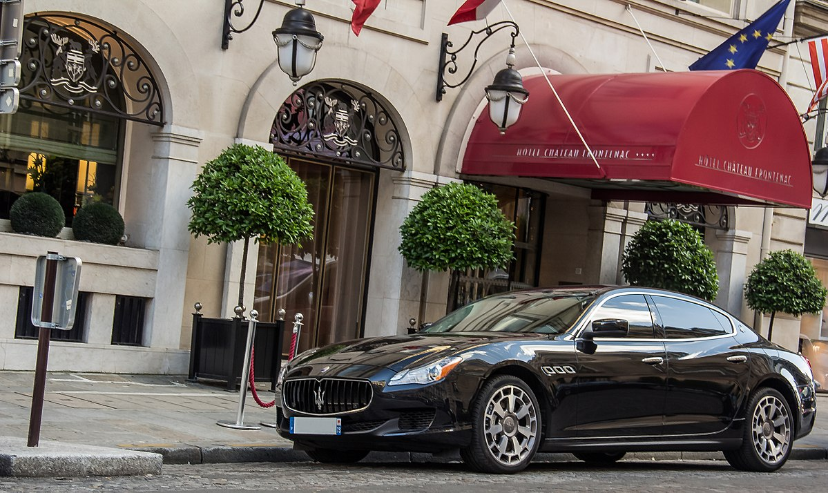 https://upload.wikimedia.org/wikipedia/commons/thumb/a/a8/Maserati_quattroporte_%289073738499%29.jpg/1200px-Maserati_quattroporte_%289073738499%29.jpg