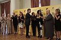 """Mauricio Macri junto a las cantantes del espectáculo """"Gran Diosas"""" (8558008748).jpg"""