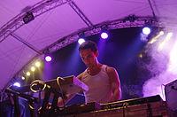Max Henry (Suuns) (Haldern Pop 2013) IMGP2716 smial wp.jpg