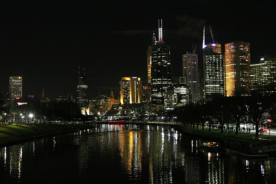 Melbourne at night02