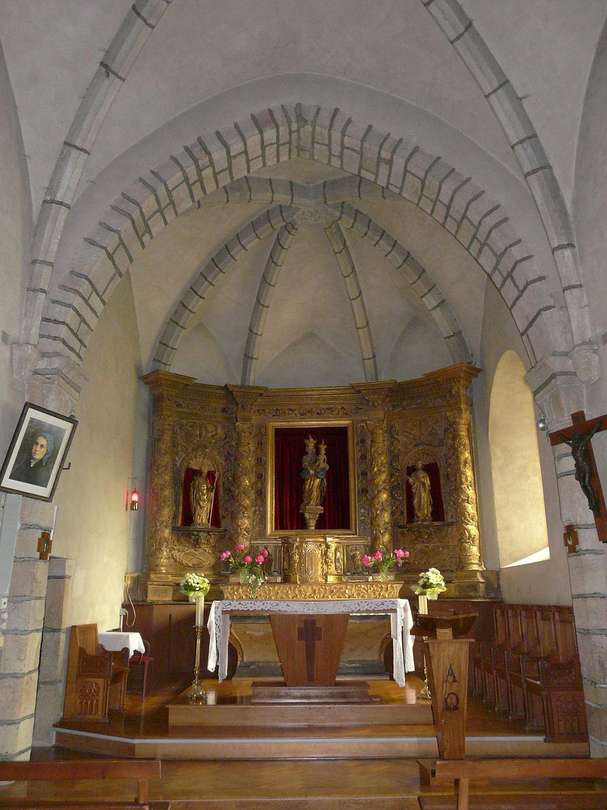 Messeix église choeur.JPG