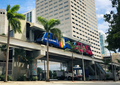 Miami Metromover at Bayfront Park Station.png