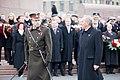 Ministru prezidents Valdis Dombrovskis vēro Rīgas garnizona vienību militāro parādi pie Brīvības pieminekļa (8175009842).jpg