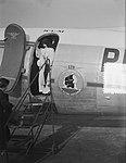 Missievliegtuig KLM vertrek Schiphol, Bestanddeelnr 904-7831.jpg