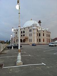 Mosque in Kaspiysk.jpg