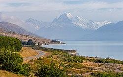 Mt Cook from Lake Pukaki, New Zealand.jpg