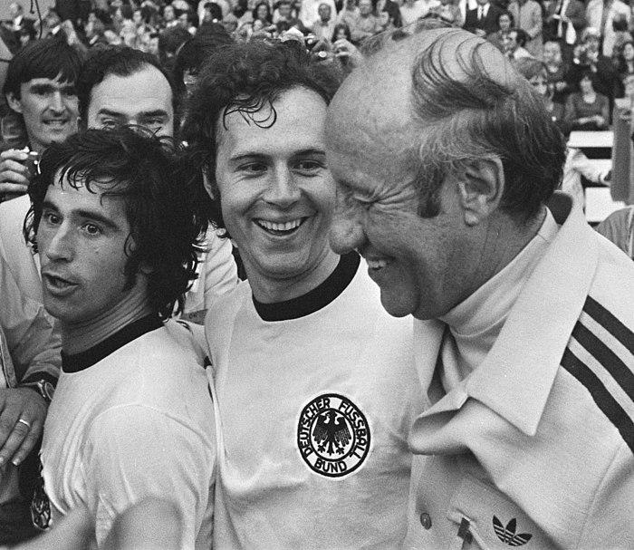 Muller, Beckenbauer en trainer Schon 1974