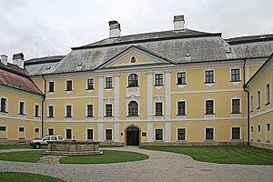 Žďár nad Sázavou - Image: Nádvoří zámku ve Žďáru nad Sázavou