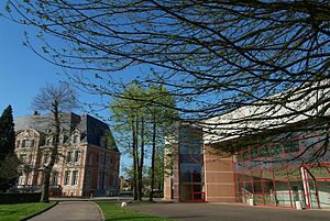 NEOMA Business School - Image: NEOMA Business School campus Rouen