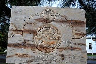 Ngatangiia - Commemorative marker at Ngataniia Bay
