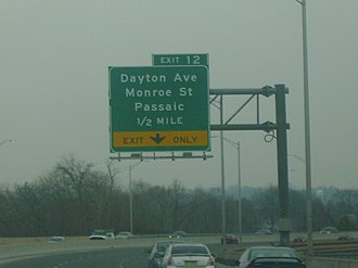 New Jersey Route 21 - Image: NJ 21 southbound approaching Dayton Avenue