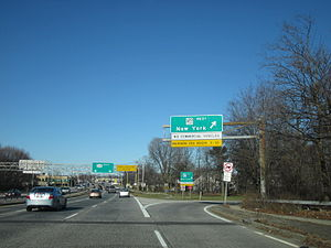 New York State Route 231 - NY 231 northbound at the Southern State Parkway in North Babylon