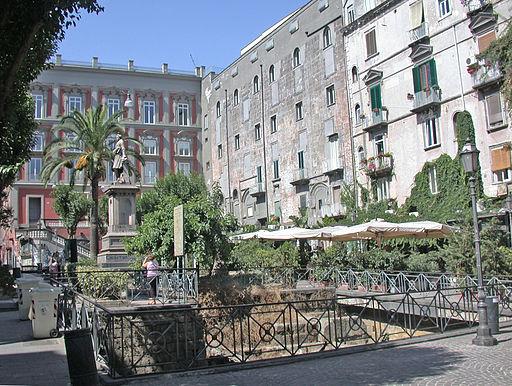 NapoliPiazzaBellini
