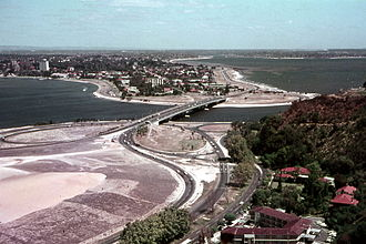 Kwinana Freeway - View of the Narrows Bridge, 1968. The first section of the Kwinana Freeway is visible in the background.