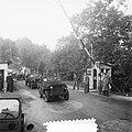 Nederlandse troepen oefenen in West-Duitsland passeren va grens bij Gronau, Bestanddeelnr 904-7643.jpg