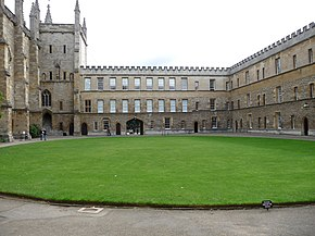 New College, Oxford (3915147393).jpg