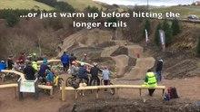Fichier: Nouvelle piste de compétences en VTT à Bwlch Nant an Arian, Powys, Wales.webm
