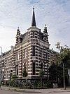 foto van Woonhuis met hekwerk