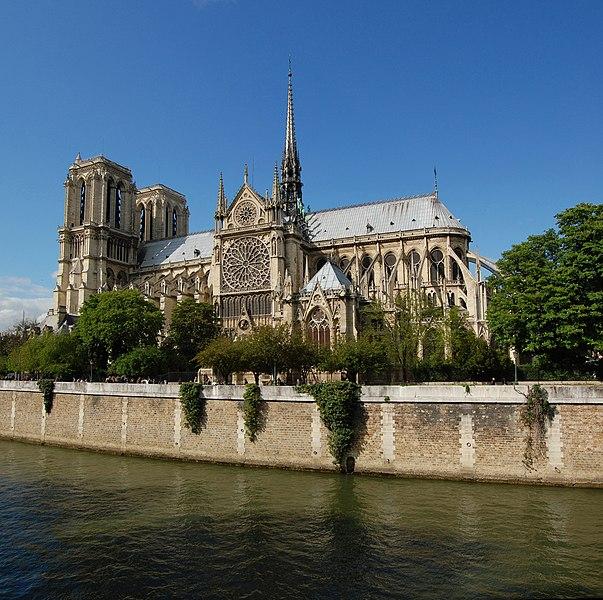 File:Notre Dame dalla Senna.jpg