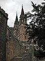Nuestra Señora de Covadonga, acceso por escaleras.jpg