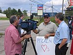 OH Union Members Protest McCain-Palin Visit in Youngstown (2867915095).jpg